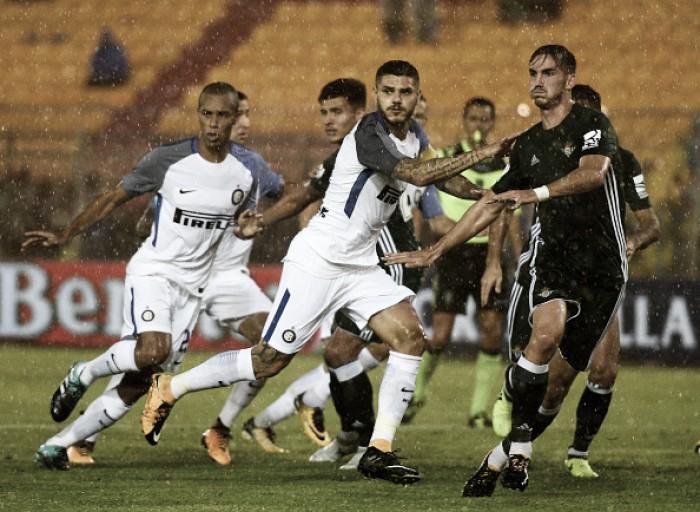 Icardi marca de pênalti e Inter supera Bétis no último amistoso de pré-temporada