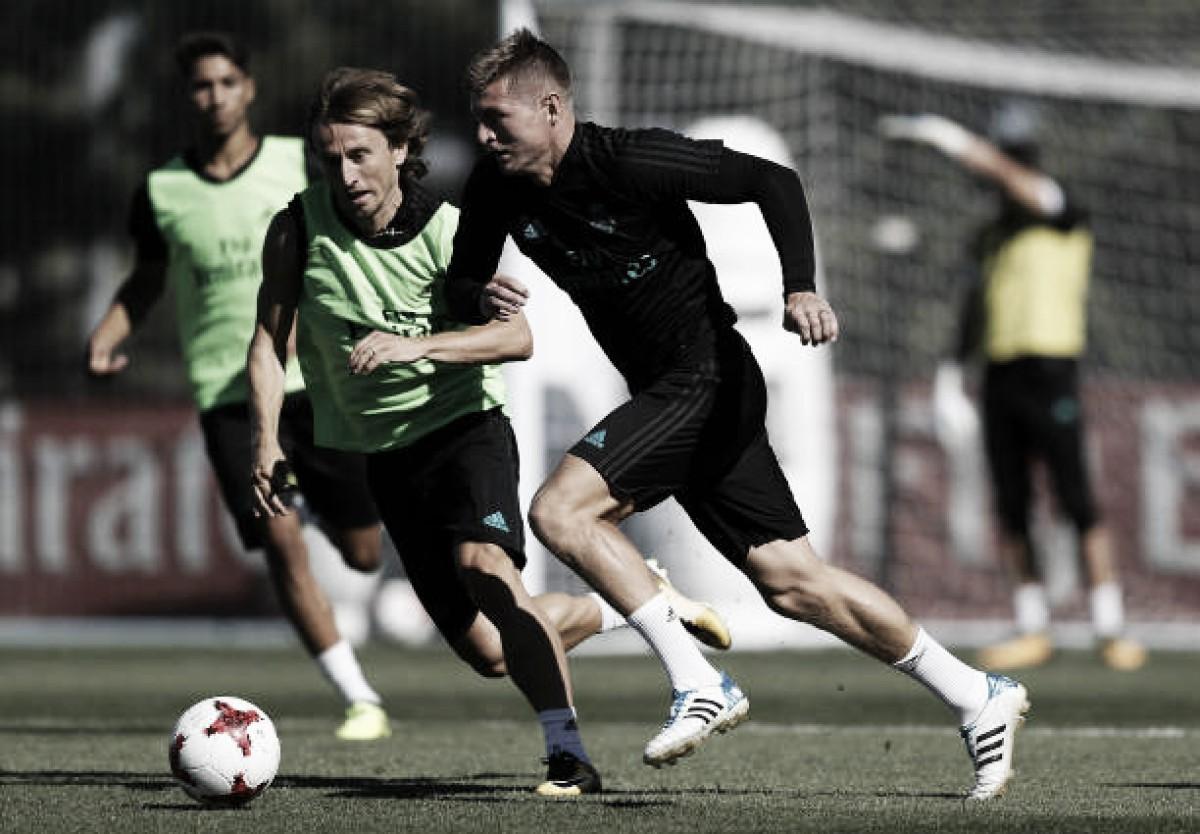 Recuperados de lesão, Kroos e Modric são relacionados para duelo decisivo contra PSG