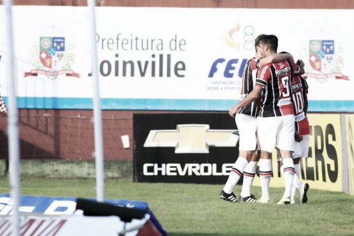 Carlos Alberto marca duas vezes e Joinville vence Sampaio Corrêa na estreia de Lisca