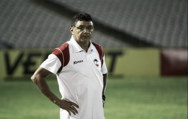Fortaleza anuncia retorno do técnico Flávio Araújo após cinco anos
