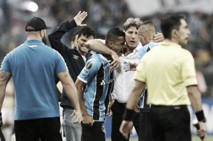 Cícero decide, Grêmio vence Lanús e abre vantagem na final da Libertadores