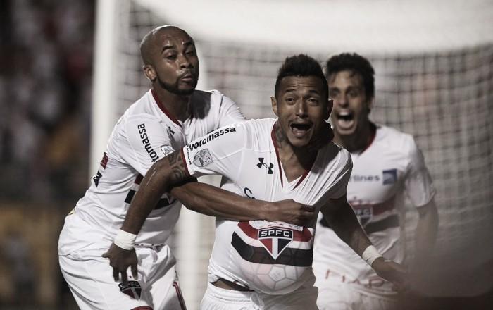 São Paulo sofre, mas supera César Vallejo com gol de Rogério no fim