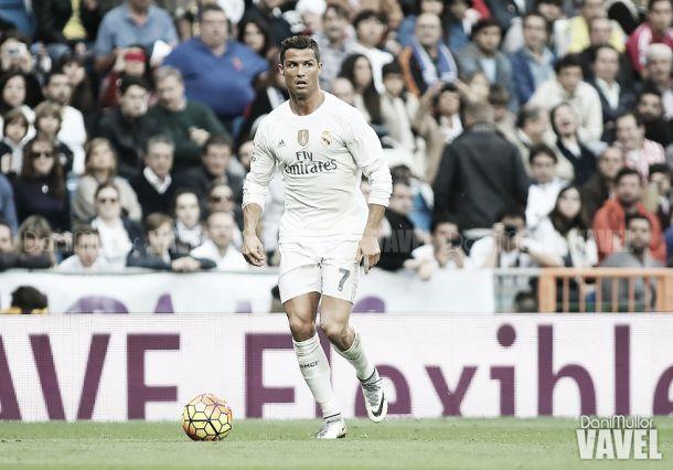 """Cristiano fala sobre rivalidade com Messi: """"Foi complicado vê-lo ganhar várias Bolas de Ouro"""""""