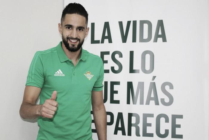 Bétis anuncia acerto com meia Ryad Boudebouz, destaque do Montpellier