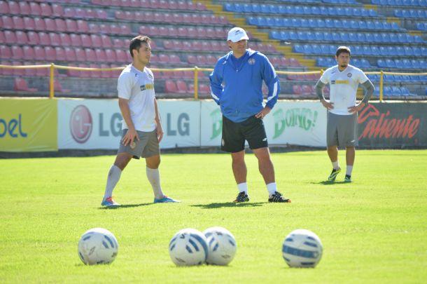 Carlos Bustos ya dirigió su primer entrenamiento como Dorado
