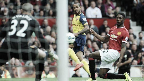 Walcott espera ser titular na final da FA Cup após evitar derrota do Arsenal ante Manchester United