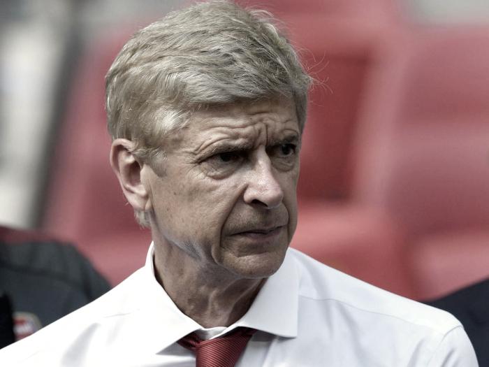 """""""Talvez cometi um erro"""", diz Wenger sobre demora para renovar com Arsenal"""