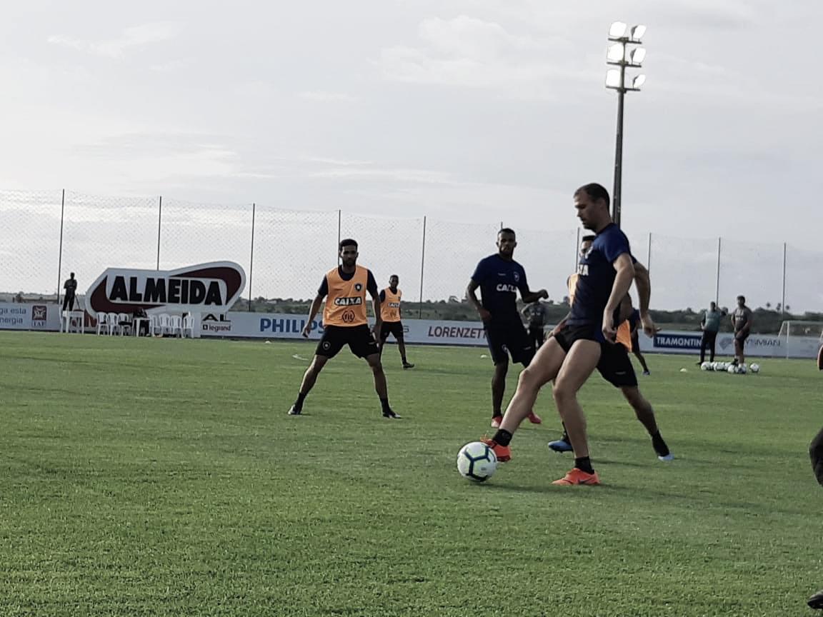 Busca por afirmação: Botafogo encara Campinense para tentar manter boa sériede vitórias