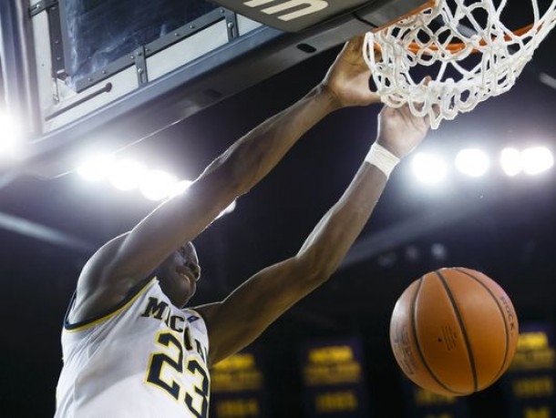 Duncan Robinson Hits Five Three-Pointers For Michigan Wolverines In Rout Of Houston Baptist Huskies