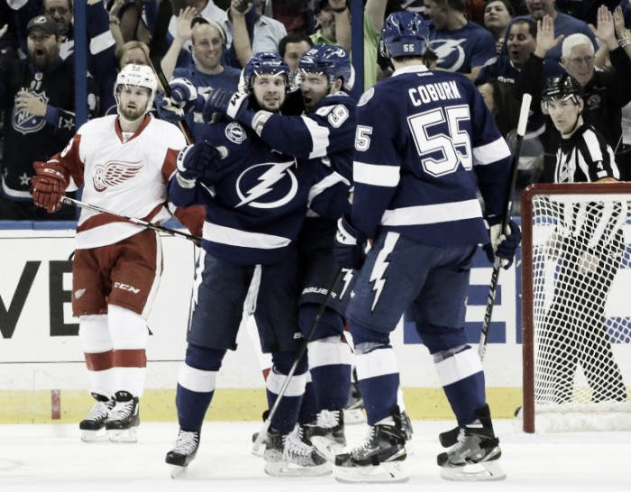 Tampa Bay Lightning win physical Game 1 battle over Detroit Red Wings
