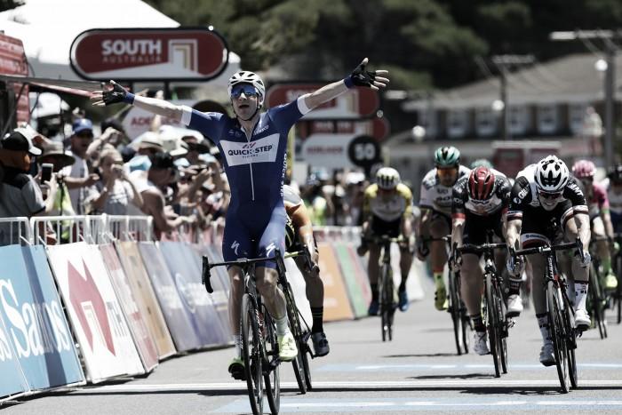 Elia Viviani le regala la primera victoria alQuick-Step Floors Cyclling