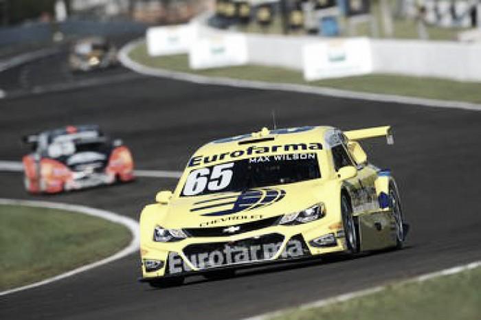 Max Wilson é pole em Londrina pela Stock Car