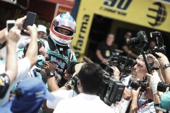 Rubens Barrichello larga na frente em Goiânia pela Stock Car