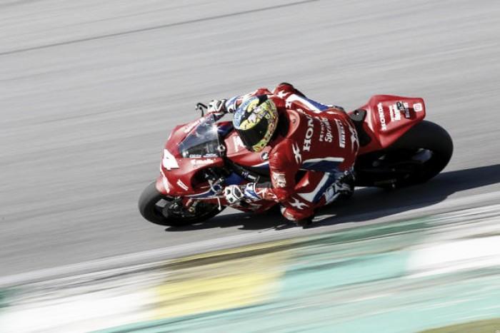 Alex Barros termina na terceira posição pelo SBK em Interlagos