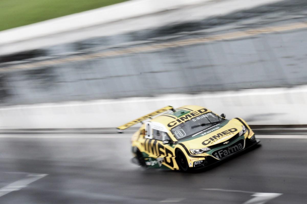 Cacá Bueno marca pole pela Stock Car no VeloPark