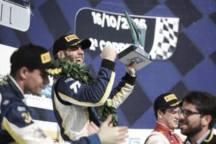 Guilherme Samaia vence segunda corrida pela Fórmula 3 Brasil em Curitiba