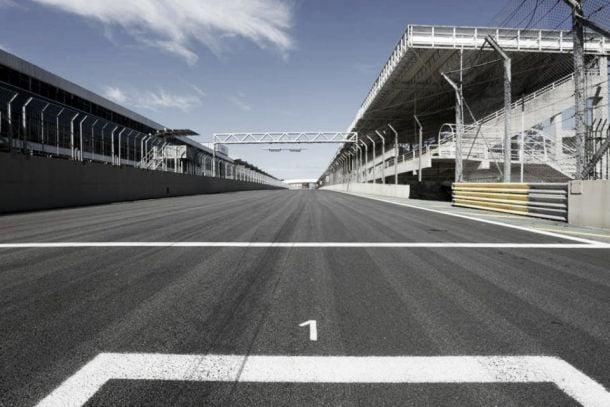 """A treze dias do GP Brasil de Fórmula 1, autódromo de Interlagos está """"quase  pronto"""""""