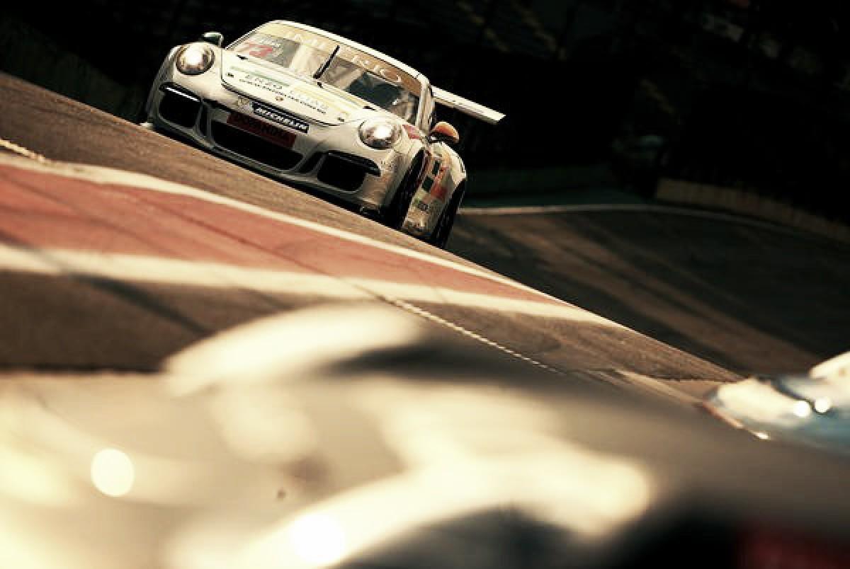 Enzo Elias volta a competir em Interlagos pela Porsche Cup