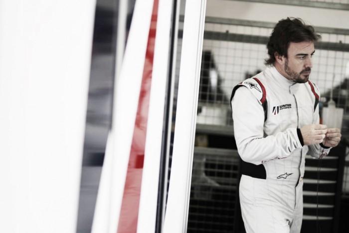 Mark Webber adverte Fernando Alonso sobre competir em Le Mans e Fórmula 1