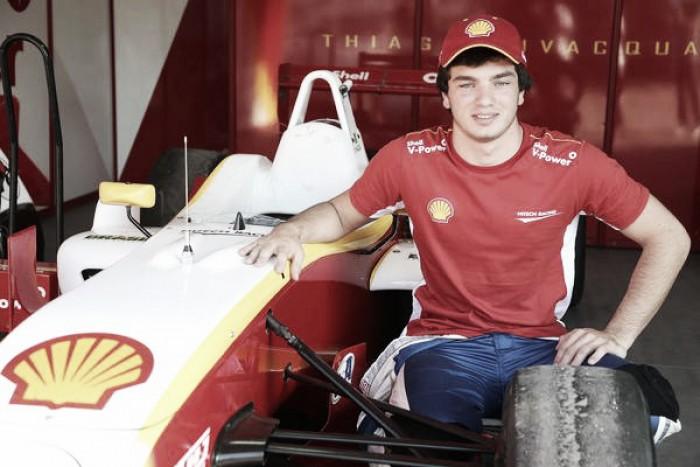 Thiago Vivacqua testa em Interlagos pela F3 Brasil