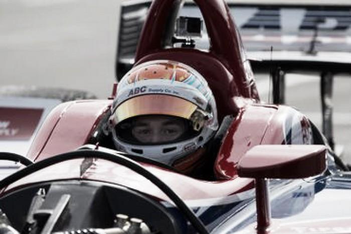 Matheus Leist testa em Phoenix pela Fórmula Indy