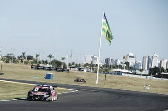 Mercado de pilotos agita Stock Car em Goiania