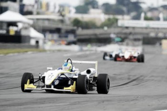 Matheus Iorio vence primeira prova pela Fórmula 3 Brasil em Curitiba