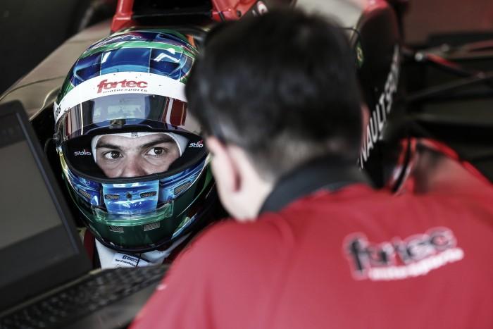 Bruno Baptista pontua na corrida 1, mas sofre toque e não completa 2ª prova da Fórmula Renault