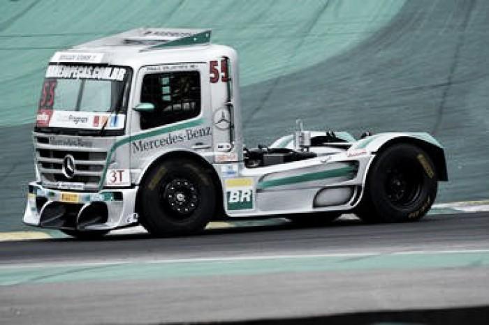 Paulo Salustiano em busca da quarta vitória seguida na FórmulaTruck