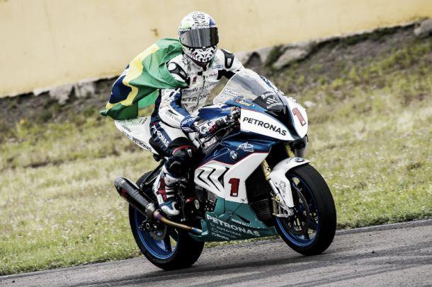 Francês Matthieu Lussiana é bicampeão da Moto 1000GP após vitória em Santa Cruz do Sul