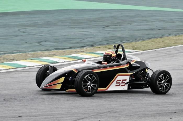 Fórmula Vee entra na reta final do Campeonato Paulista em Interlagos