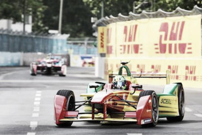 Lucas di Grass chega em terceiro em Berlim e mantem liderança da Fórmula E