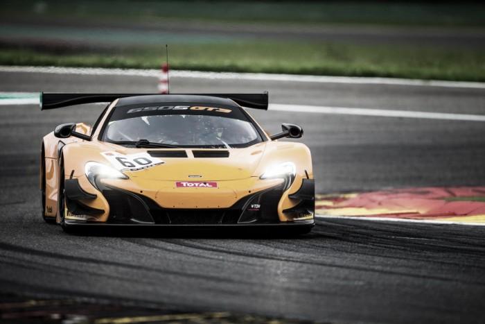 Pipo Derani testa McLaren como preparação para as 24 horas de SPA