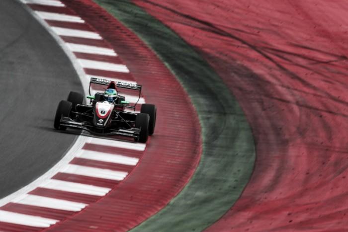 Pela Fórmula Renault, Bruno Baptista termina em 13º na Áustria