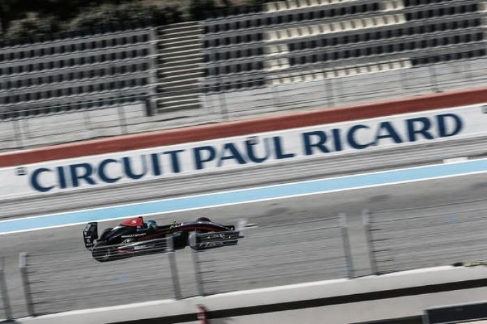 Bruno Baptista sofre batida no sábado e chega em 14º neste domingo na França pela Fórmula Renault