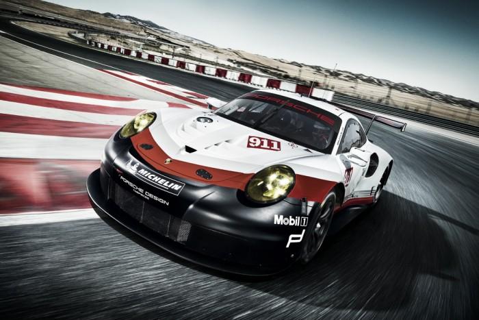 Porsche apresenta versão 2017 do 911 RSR para disputar Mundial de Endurance