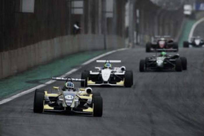 Guilherme Samaia e Matheus Lorio vencem em Interlagos pela F-3 Brasil