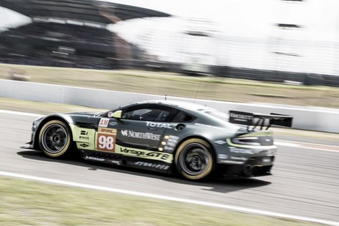 Aston Martin #98 troca pneus Dunlop por Michelin para as 6 horas do México