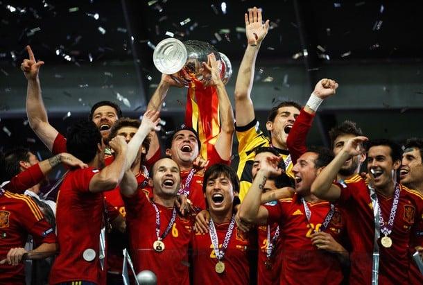 Championne d'Europe, l'Espagne réalise un triplé historique