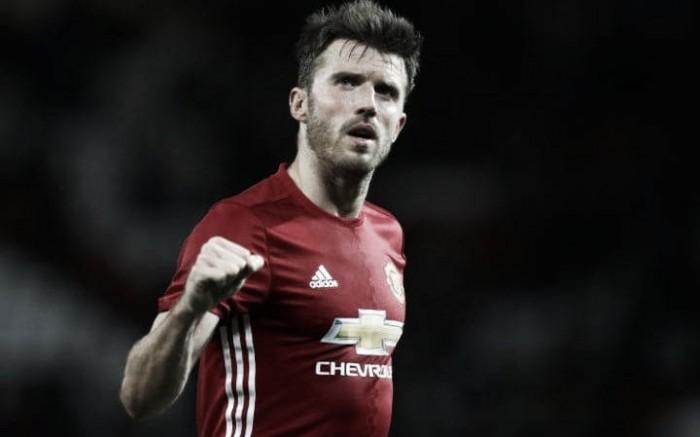 Manchester United, Carrick rinnova e festeggia con una sfida tra pezzi di storia