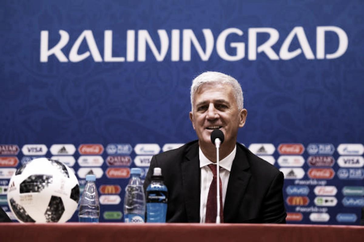 """Petkovic, técnico da Suíça, repudia comemoração nos gols: """"Não se mistura política com futebol"""""""
