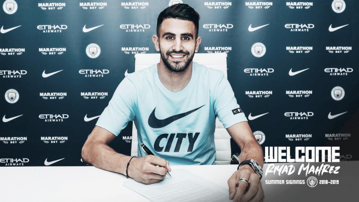 Manchester City anuncia Riyad Mahrez, destaque do Leicester na campanha do título em 2015/16