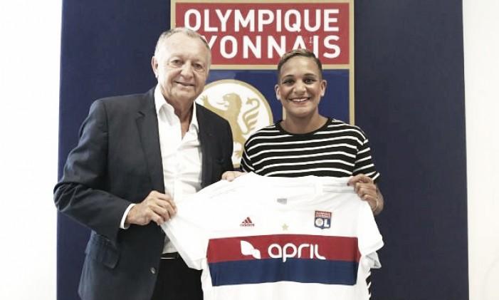 Time feminino do Lyon anuncia contratação da atacante holandesa Shanice Van de Sanden