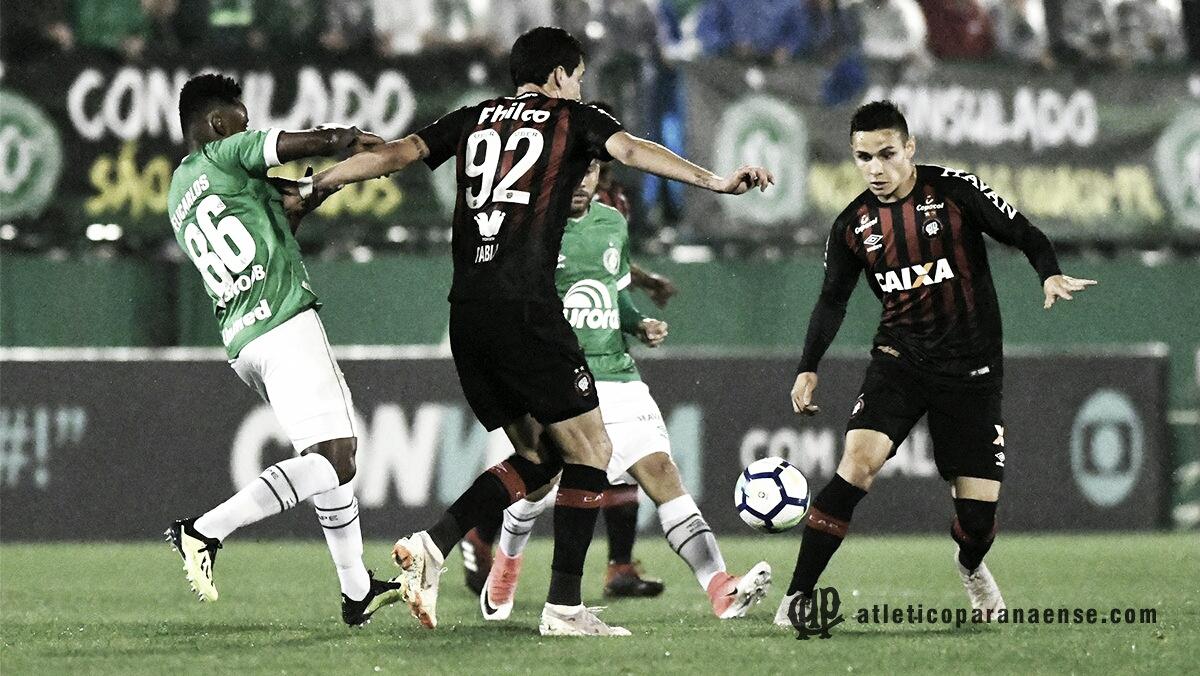 Dirigente do Palmeiras descarta interesse em Pablo e permanência de Raphael Veiga no Atlético-PR