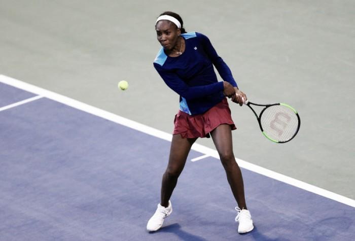 Venus sobrevive y debuta con victoria en Toronto