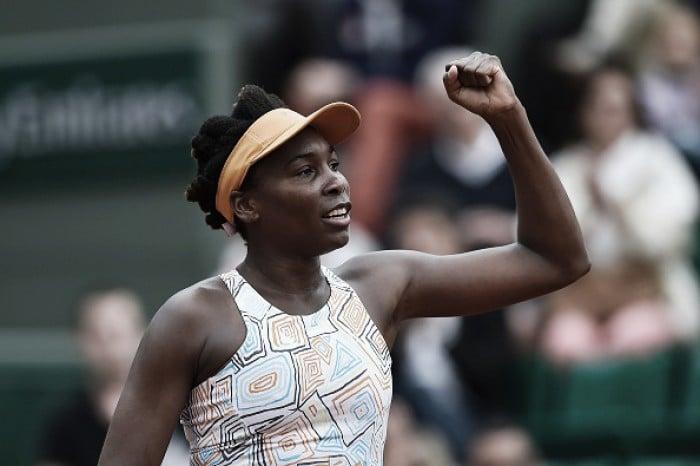 Roland Garros: Serena e Venus Williams avançam; Ivanovic é eliminada
