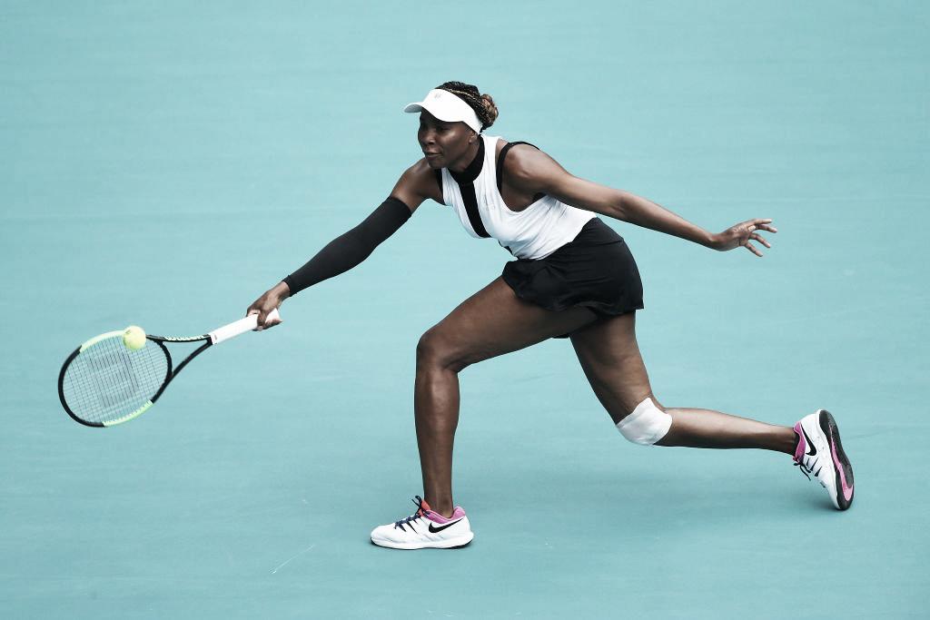 Venus Williams atropela Kasatkina e continua viva em Miami