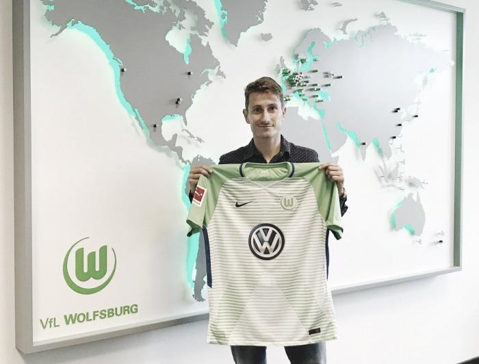 Wolfsburg anuncia lateral Paul Verhaegh, ex-Augsburg