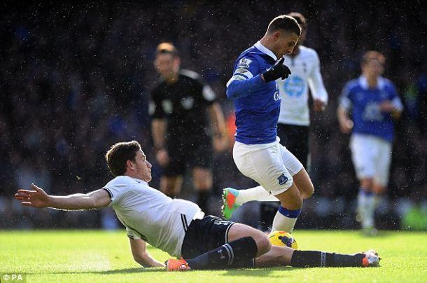 Tottenham vence Everton e sobe na tabela da Premier League