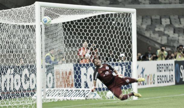América-MG vence Joinville e se isola na liderança da Série B